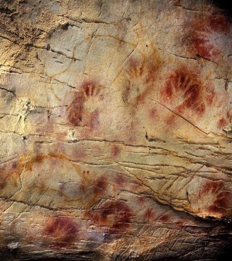 detail-des-mains-peintes-dans-la-grotte-d-el-castillo-credit-photo-pedro-saura_49474_w620