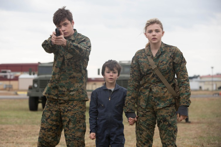 "L-r, Nick Robinson, Zackary Arthur and Chlo? Grace Moretz star in Columbia Pictures' ""The 5th Wave."""